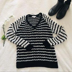 $5 W/ BUNDLE Vince Camuto Striped Sweater